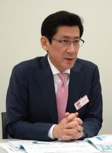 教育技術への投資を積極的に行うと話す高村社長